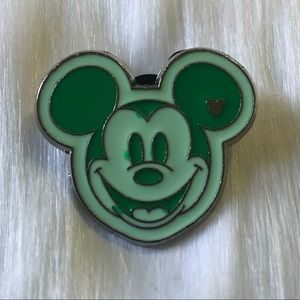 🔮 5/$25 Green Mickey Mouse Disney Pin